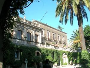 Cosa vedere a Catania, via Crociferi