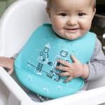 Baby-wearing-buket-bib