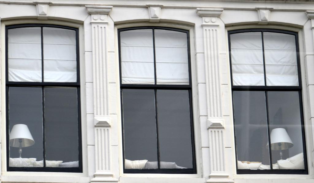 Come ripararsi dagli spifferi in casa infoperte - Eliminare condensa dalle finestre ...