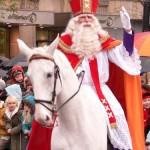 Sinterklass. Il vescovo gentile tanto atteso in Olanda. Simbolo del Natale nei Paesi Bassi.